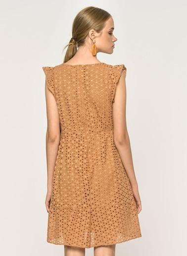 Loves You Kolları Fırfırlı Güpür Elbise Camel